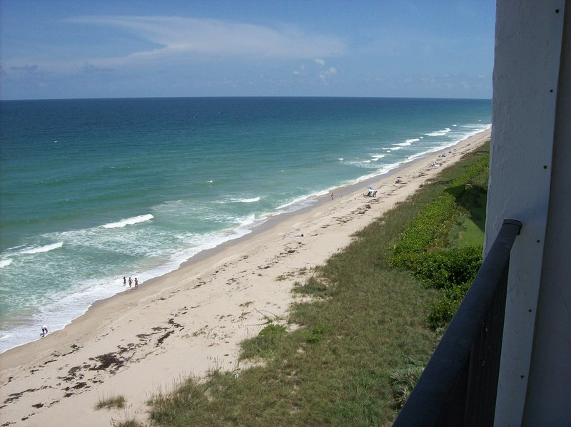 Magnificent Oceanfront 9th Floor, 2 Bed /2 Bath, holiday rental in Hutchinson Beach