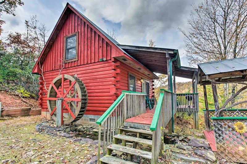 Cette cabine est à quelques minutes du centre-ville de Bryson City.