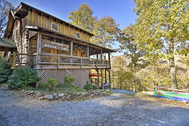 Make your way to 'Camp Cabin at Cataloochee,' a vacation rental in Maggie Valley