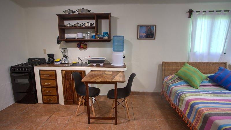 Comfortable Studio Apartment no 7, vacation rental in Puerto Escondido