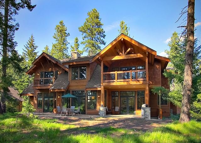 The Best Family Home in Suncadia! Pool Table * Shuffleboard * Media Room, holiday rental in South Cle Elum