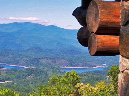 Big Timber Lodge - Unforgettable View of the Mountains and Fontana Lake from thi, alquiler de vacaciones en Nantahala Township
