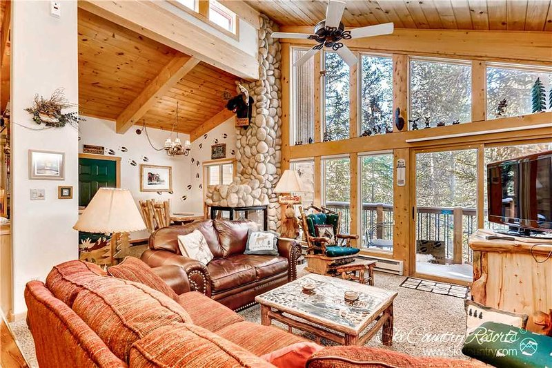 Tannenbaum 304 by Ski Country Resorts, vacation rental in Breckenridge