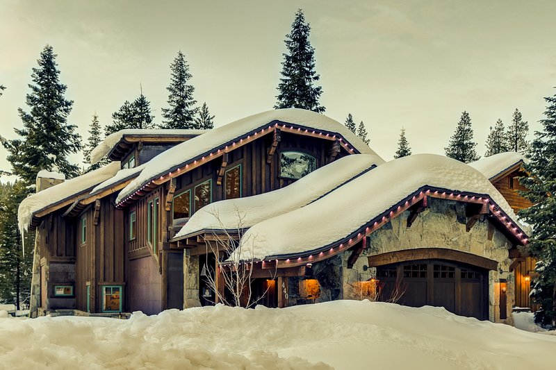 Tall Pines Lodge at Squaw Valley Chalet in Squaw Valley