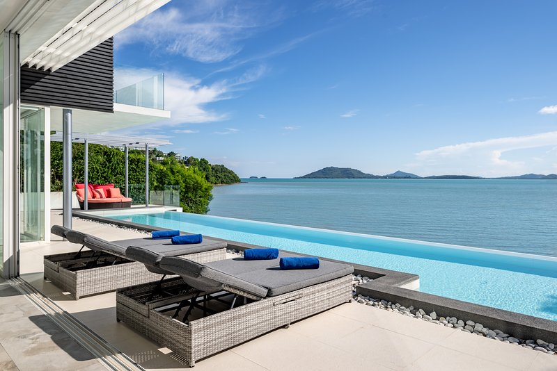 Amazing Sea View 6/7 bedroom Villa at Cape Yamu, casa vacanza a Ko Yao Yai