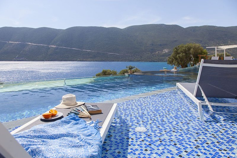 Deluxe suite & plunge pool- Sappho Boutique Suites #3, holiday rental in Vasiliki
