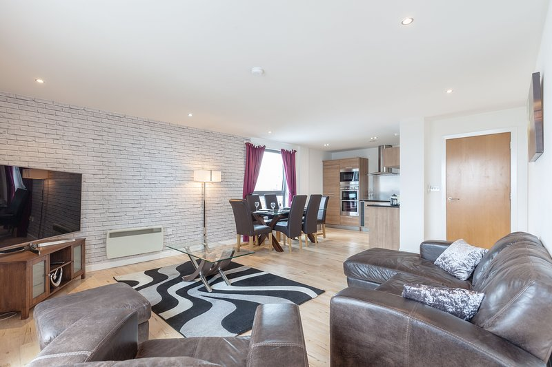 Stylish Penthouse Suite, holiday rental in Kinghorn