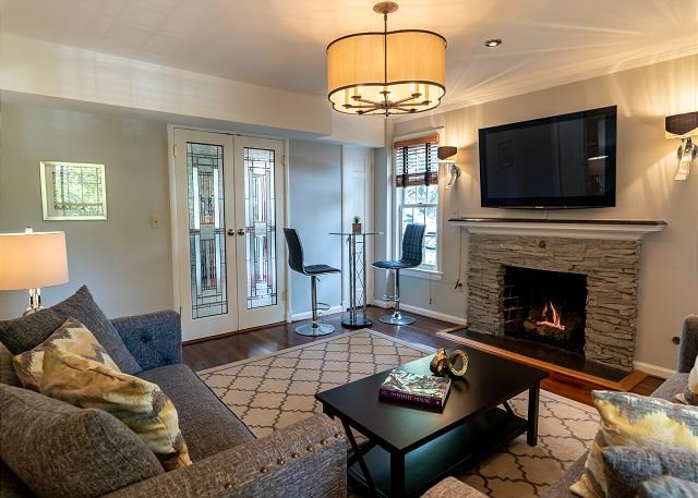 Newly Renovated, Beautiful 1 BR Guest Home, Ferienwohnung in McLean