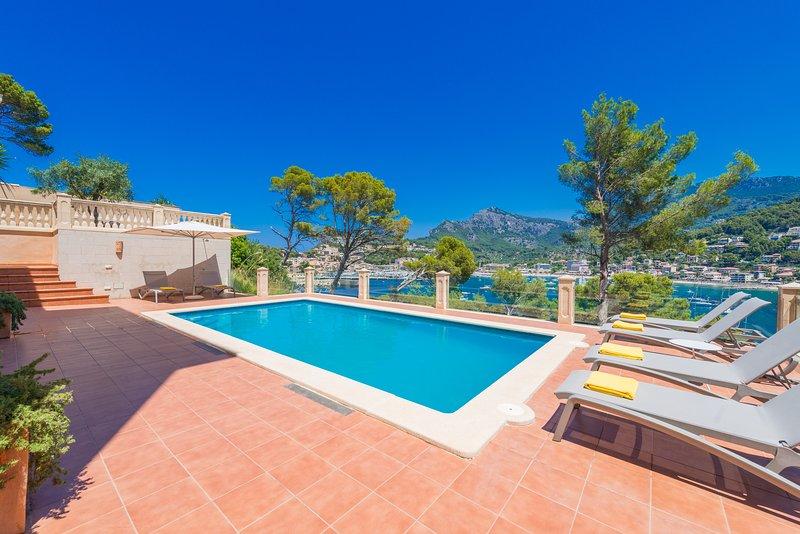 Solellada: Villa en primera línea de mar en Port de Sóller, holiday rental in Soller