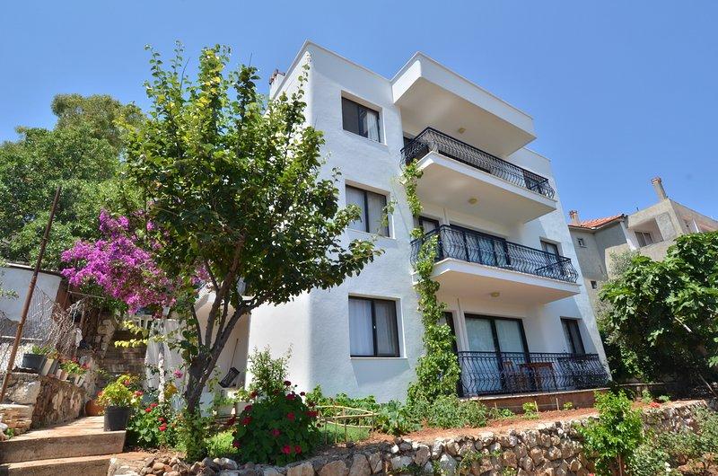 Mimas Garden Aparts, - Vacation Rental at Aegean, location de vacances à Mordogan