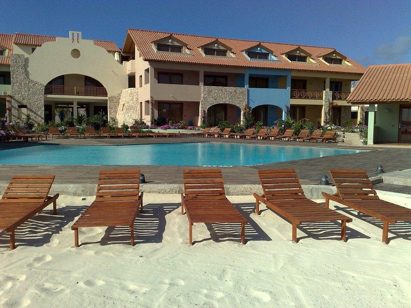 Beach and poolside Porto Antigo II one bedroom apt no.17B in Santa Maria, Sal, vacation rental in Espargos