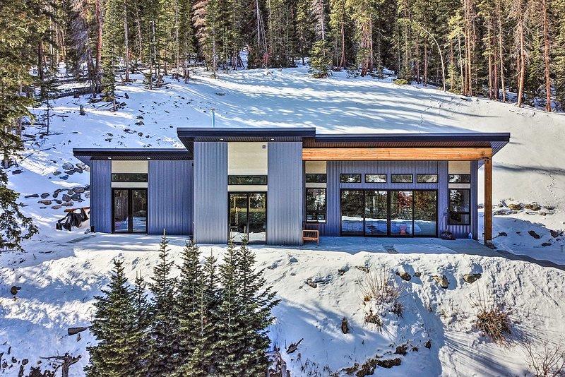Newly Built Home: Mtn Views, 15 Mi to Breckenridge, alquiler de vacaciones en Alma