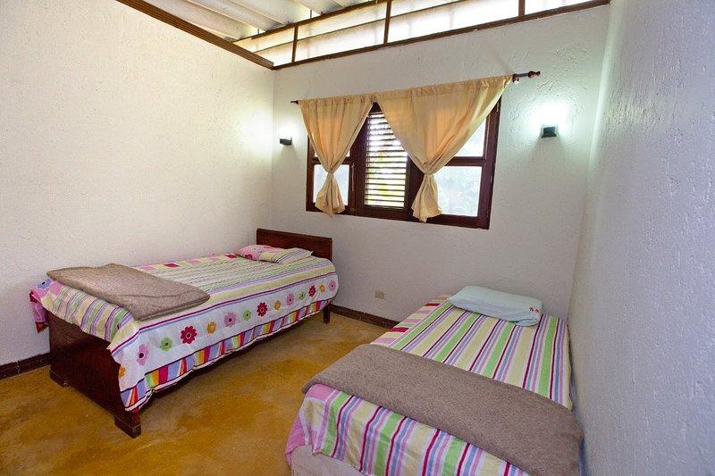 VILLA ANACAHUITA, Limonal, Jarabacoa, República Dominicana, vacation rental in La Vega Province