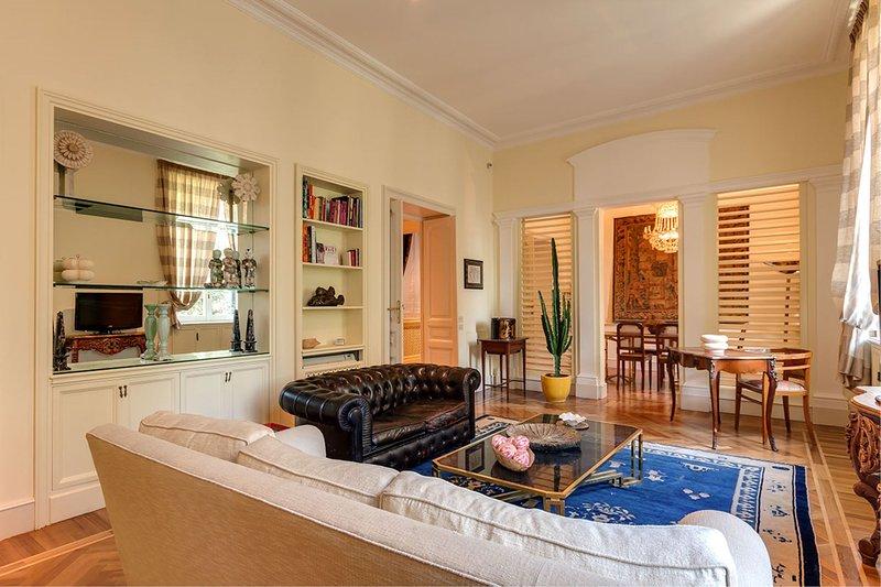 Fine Arts - Living room