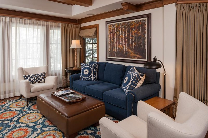 Willows 201: luxury two bedroom – premier location Vail Village, holiday rental in Minturn
