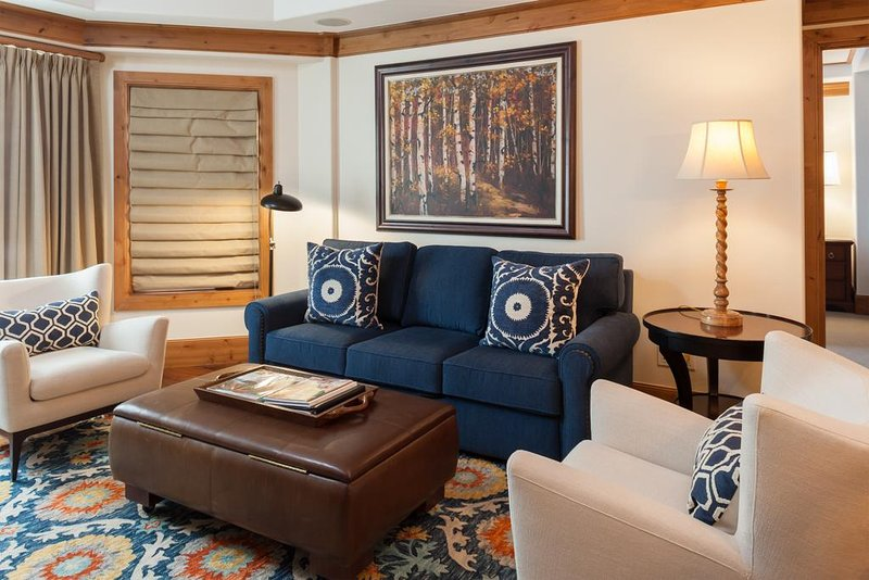 Willows 202: luxury two bedroom – premier location Vail Village, holiday rental in Minturn
