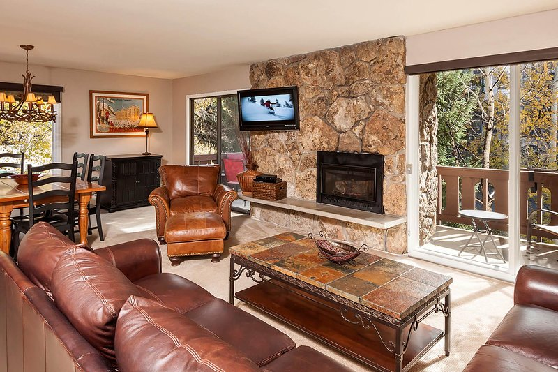 Riva Ridge 705: two bedroom – premier location Vail Village, holiday rental in Minturn
