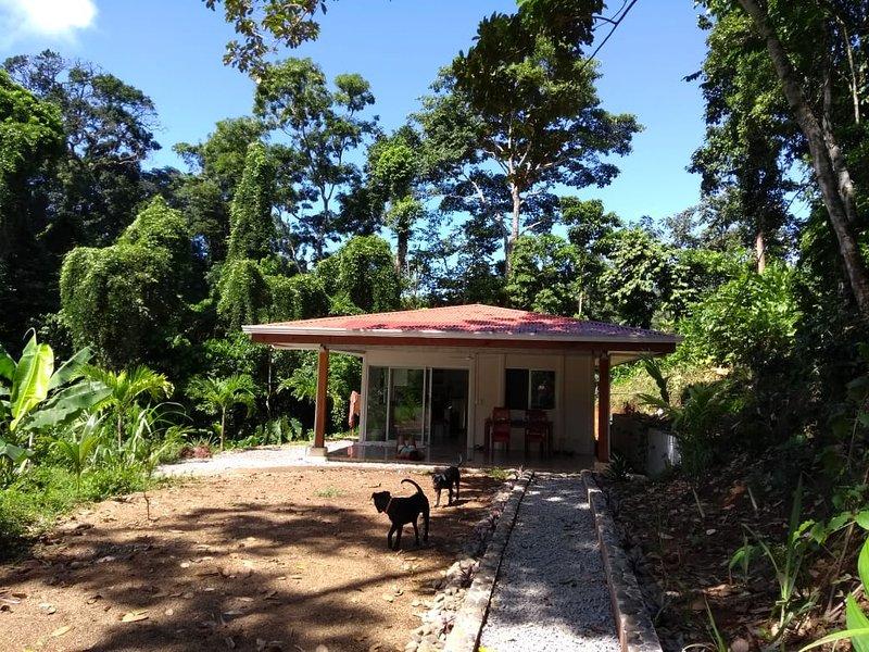 Luxury House full equipped, Casa de lujo equipada, luxuriöses Haus voll ausgest., casa vacanza a Cahuita
