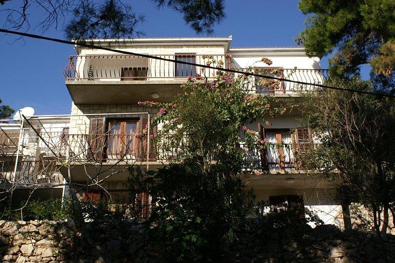 Two bedroom apartment Jagodna, Hvar (A-4000-b), aluguéis de temporada em Zagreb County