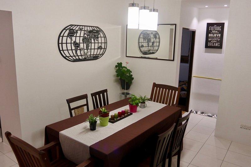Chic & Cozy Apartment, holiday rental in Kota Samarahan