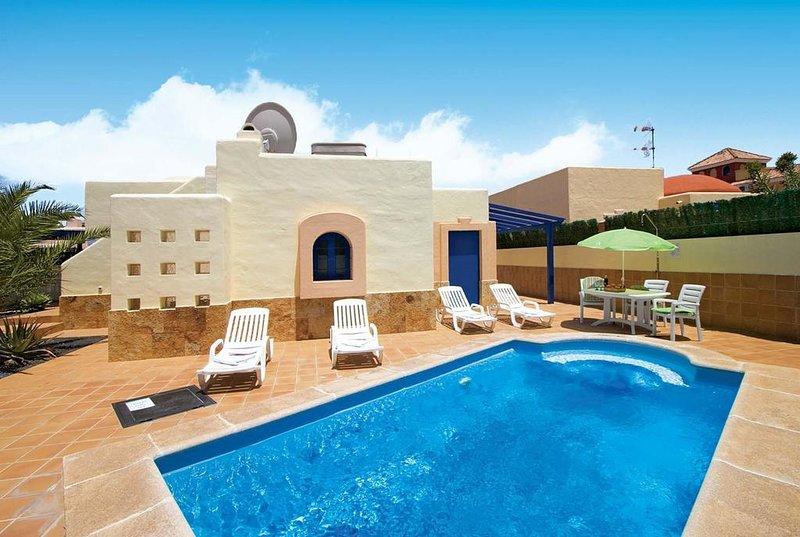 Casa Juan.  Unique  Detached 2  Bedroom holiday villa in prestigious area., aluguéis de temporada em La Oliva