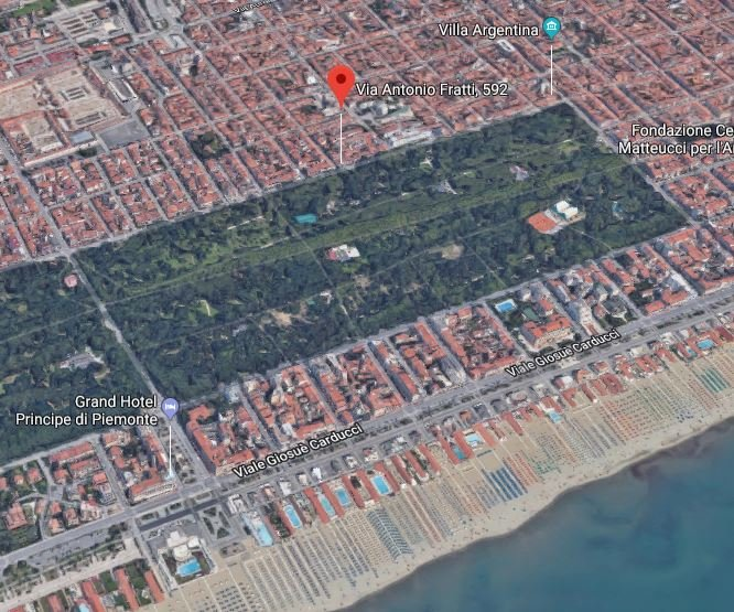 The apartment is only 150 meters from the best beach clubs in Viareggio