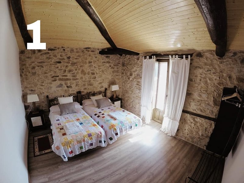 Alquiler Hab doble privada con baño individual, holiday rental in Escairon