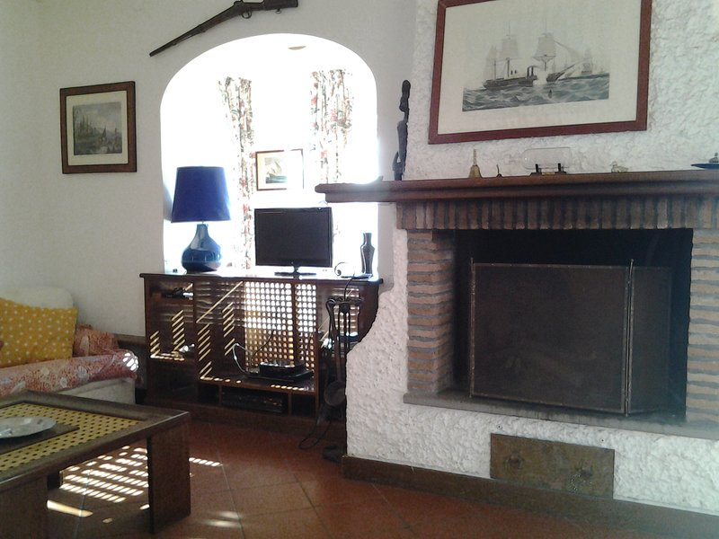 Spacious house with sea view & Wifi, holiday rental in Colonia Elena