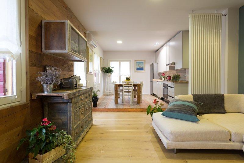 Kia Ora Suite Apartment, holiday rental in Crespignaga