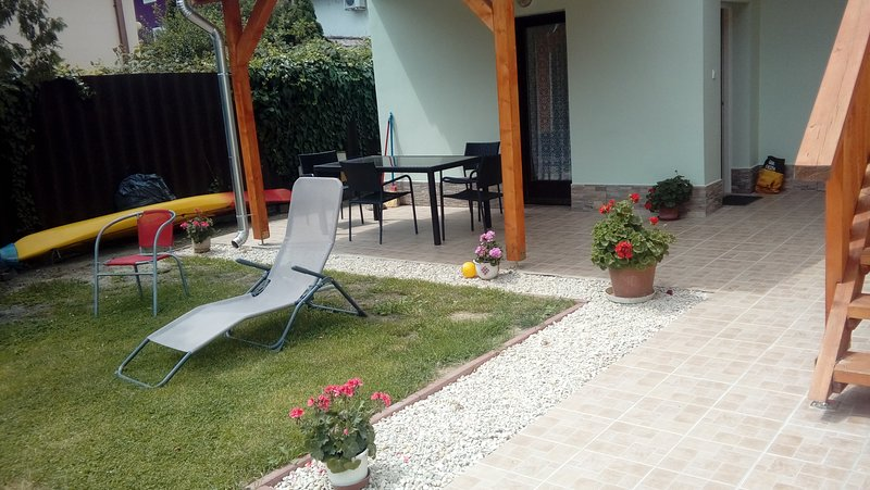 Studio apartment for 2-4 persons, vacation rental in Balatonlelle