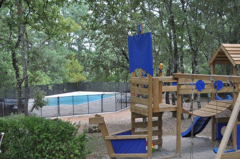 The peaceful private house & pool in Provence close to Cotignac, location de vacances à Cotignac