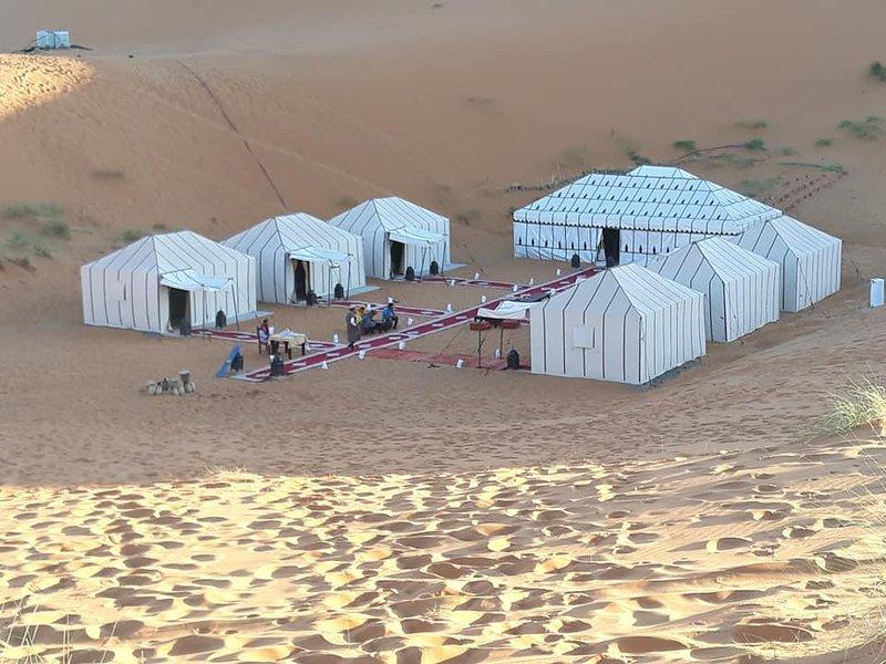 Contacta conmigo para reservar una estancia en este lujoso campamento.