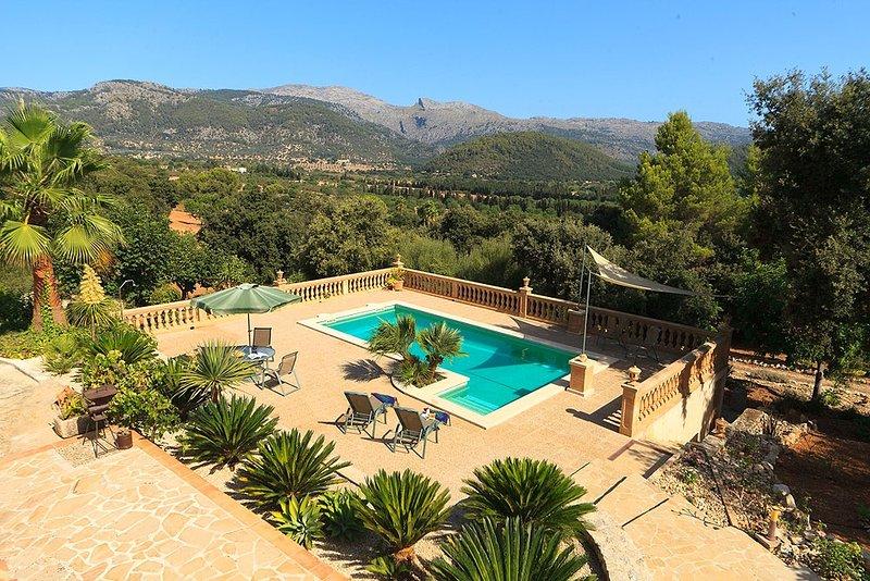 Ullaro Villa Sleeps 2 with Pool Air Con and WiFi - 5604692, alquiler de vacaciones en Campanet