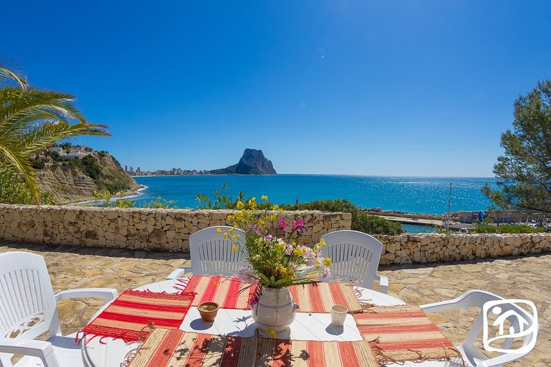 Calpe Villa Sleeps 10 with Pool and Free WiFi - 5401449, holiday rental in Calpe