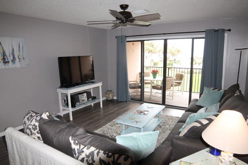 Ocean View Condo at Sea Place, Flat Screens, WIFI, 2 Balcony's/Pools, location de vacances à Saint Augustine