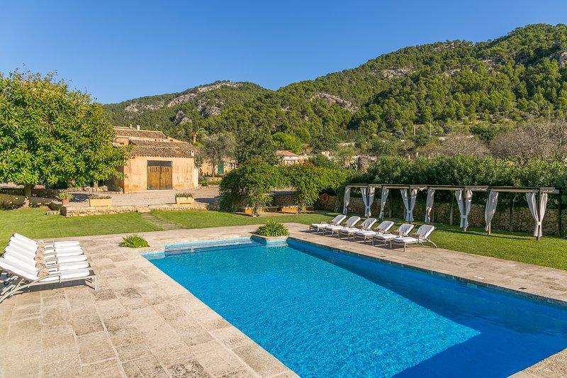 Finca Son Esteve pool wifi sleeps 12 next Port Andratx Mallorca, holiday rental in Sant Elm