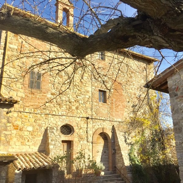 Todi Charming 11th-century historic  Medieval Tower with large panoramic terrace, holiday rental in Madonna del Piano