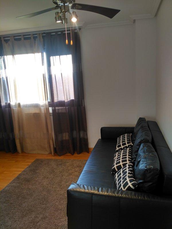 Great NEW apartment/Muy cerca Hospital Rio Hortega - A ESTRENAR todo perfecto, location de vacances à Valladolid