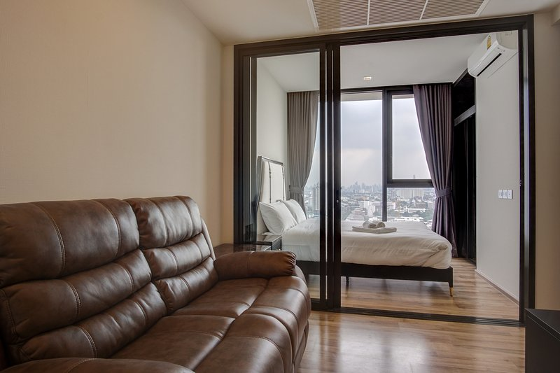 Sophisticated 1bed -The Line Jatukak-Mochit Condo, vacation rental in Lat Phrao