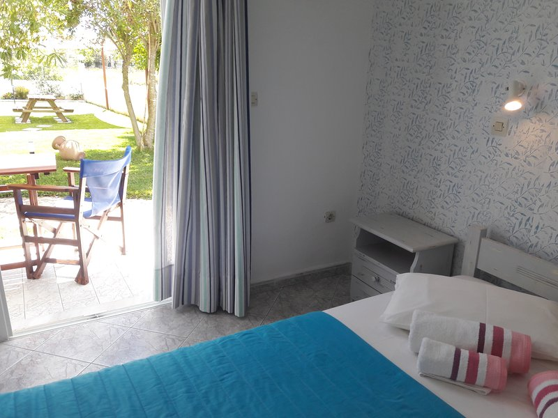 VILLAVOULA Double bed Studio room, vakantiewoning in Gardenos