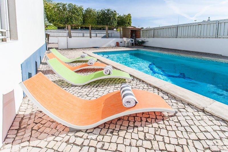 Fornos Villa Sleeps 8 with Pool - 5695669, casa vacanza a Aldeia do Meco