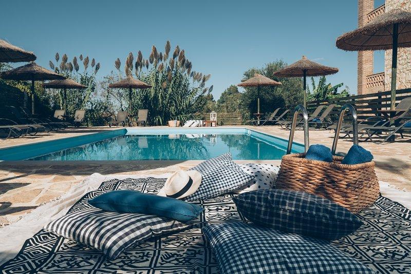 ALEGRIA VILLAS, Maisonettes-Boutique Apartment(3Bedrooms), Pool, Beach, Sea View, holiday rental in Vasilikos