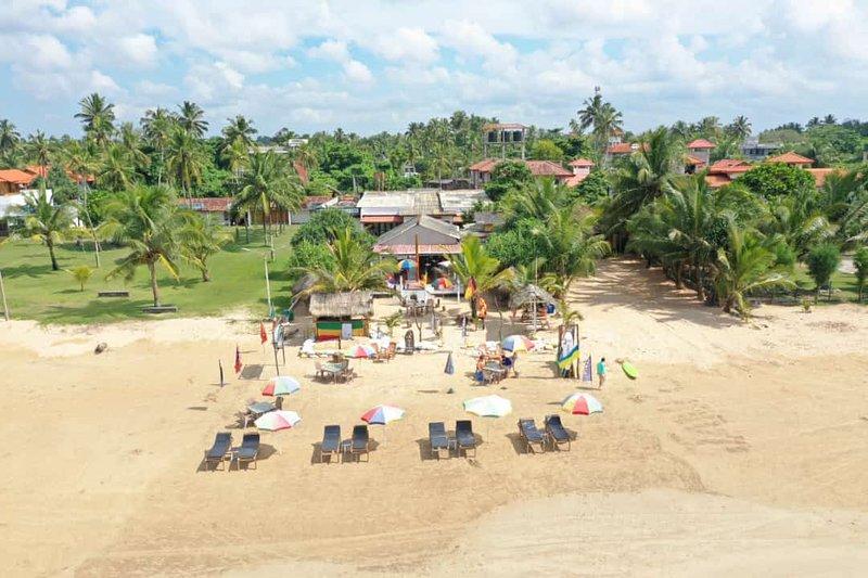 Jani Beach Resort Sea View, Ferienwohnung in Moragalla