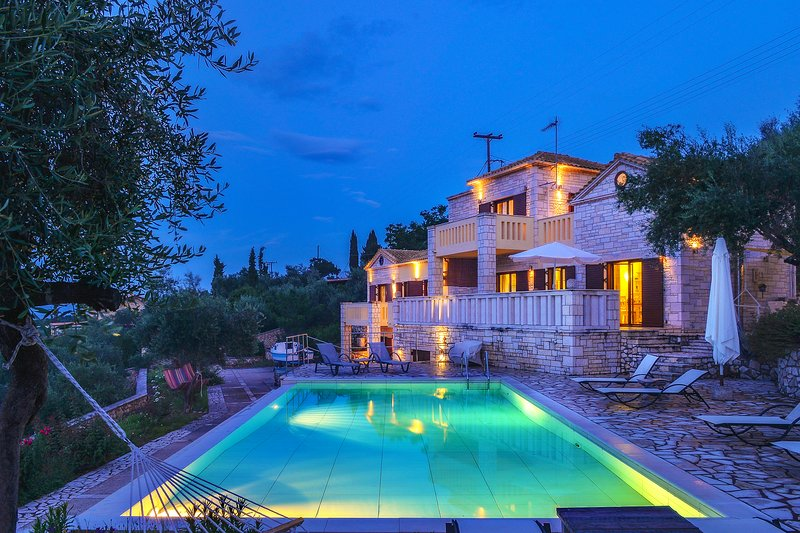 Luxury spacius pool villa Ionia on the sea front, holiday rental in Gaios