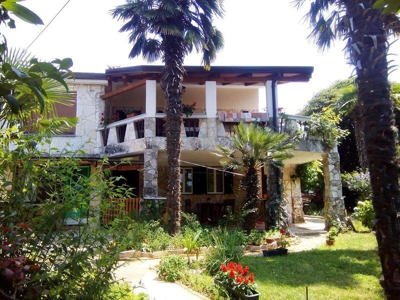 Apartment 4577-1 for 4 Pers. in Savudrija, casa vacanza a Savudrija