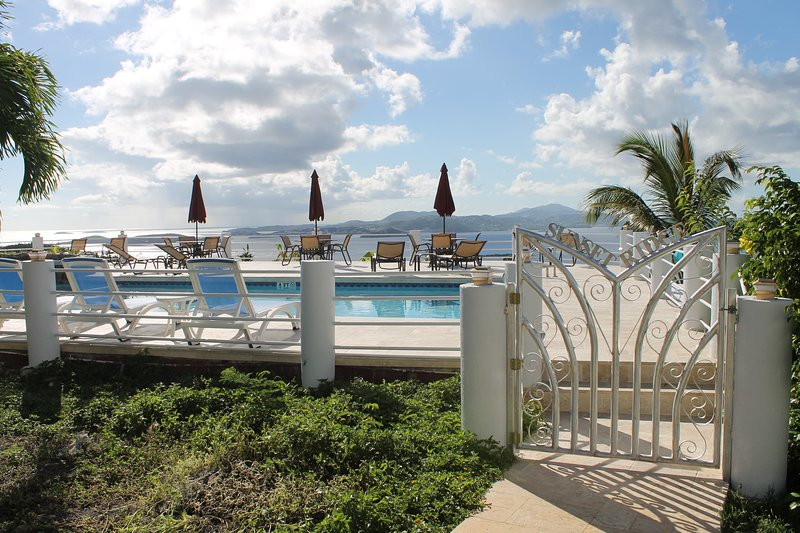 Spectacular 2 BR/2.5 BA Townhome Villa w/Pool and Awesome Ocean Views!, vacation rental in Cruz Bay