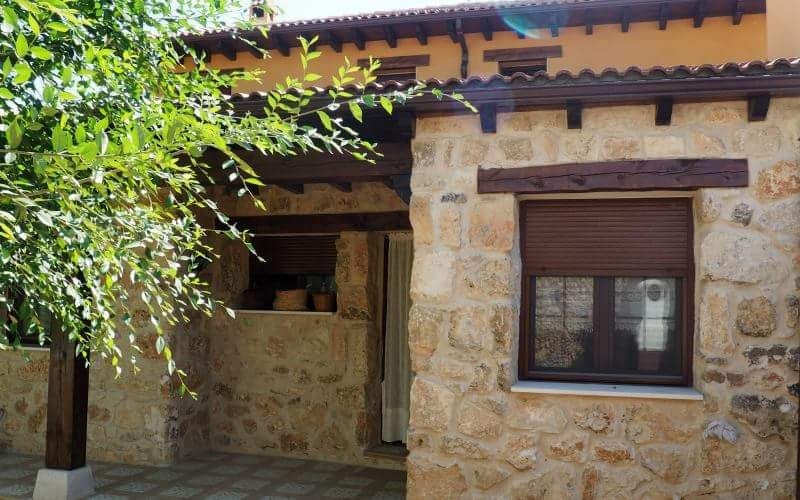 Casa rural para 13 personas, para disfrutar de la naturaleza y desconectar.r, aluguéis de temporada em Pedraza