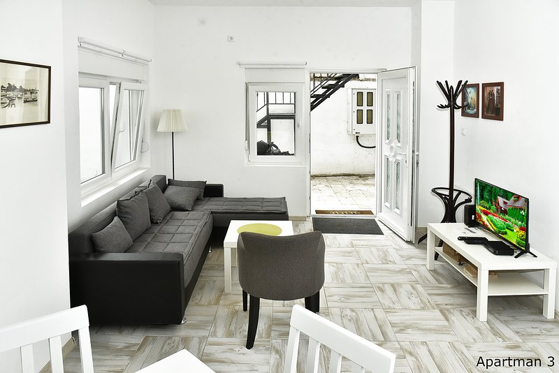 Vajda apartman 3, vacation rental in Novi Sad