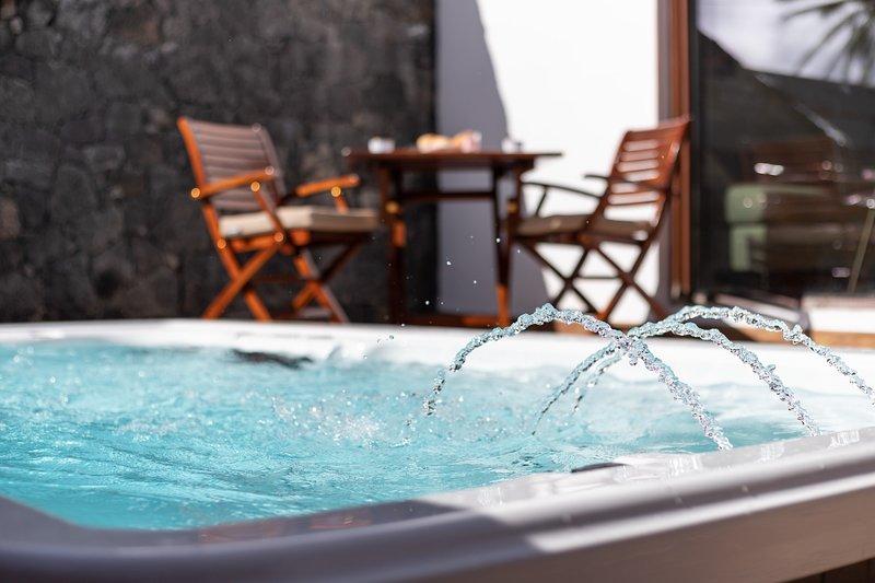 Rincón del Océano- pool-jacuzzi-spa heated.sea view. WIFI. Satellite TV. Quite, vacation rental in Tias