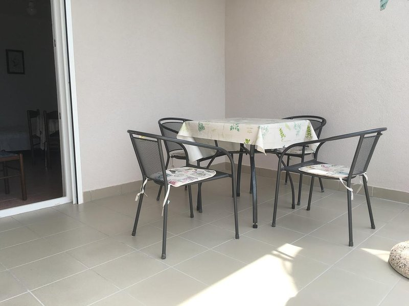 Stanisce Apartment Sleeps 4 with Air Con - 5462290, vacation rental in Potocnica